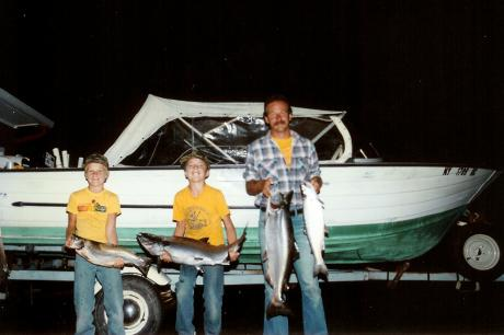 Jason, Kris, Uncle John with the 'Dreamweaver', 1986 Fall ESLO Derby
