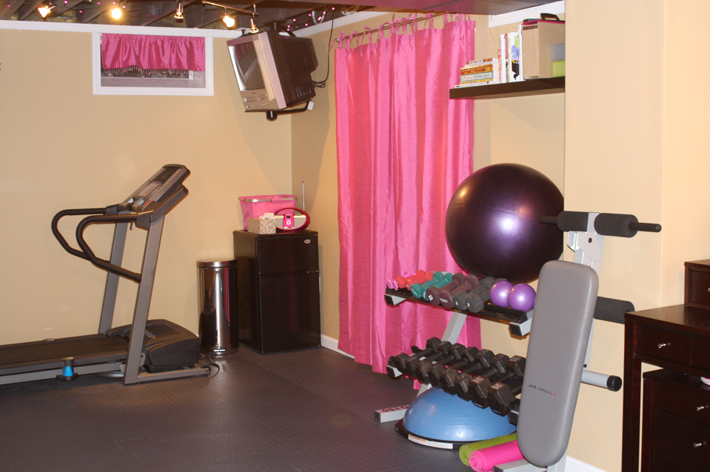 Anyone have a finished basement cafemom for Small room workout